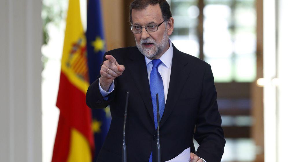 Foto: El presidente del Gobierno, Mariano Rajoy, durante su comparecencia en la Moncloa para hacer balance del curso político. (EFE)