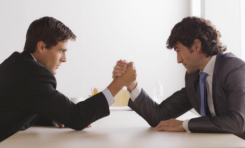 Foto: La relación entre empleado y superior es un constante tira y afloja por mantener la autoridad y la independencia. (Corbis)