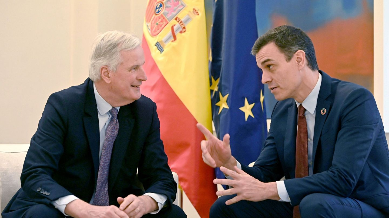 Barnier junto al presidente del Gobierno. (EFE)