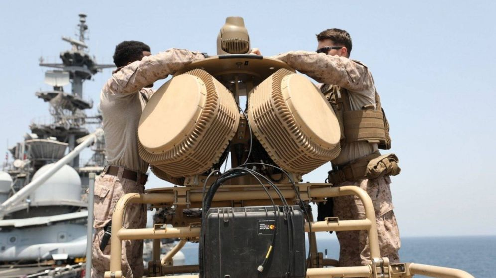 Foto: Antenas AESA del radar RPS-42. Justo encima las cámaras optrónicas (USMC)