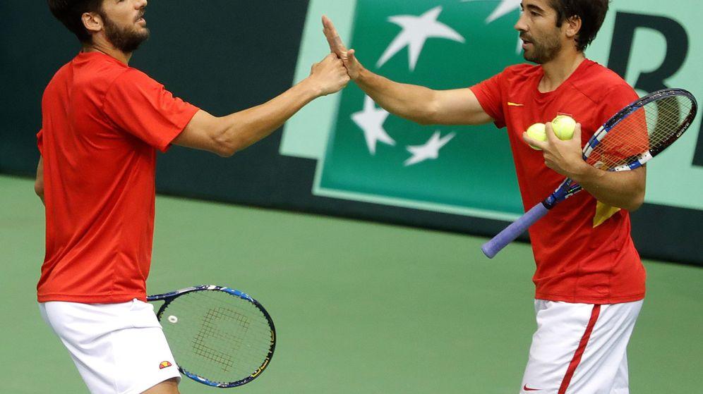 Foto: Feliciano López (i) y Marc López (d) formaron la pareja española (Antonio Bat/EFE-EPA)