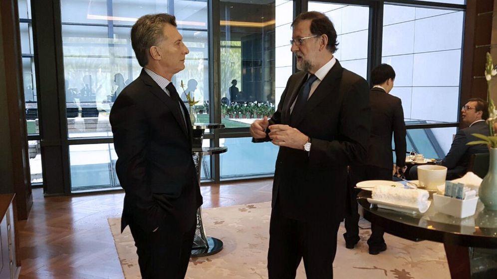 Foto: Fotografía facilitada por la Casa Rosada del presidente argentino, Mauricio Macri (i), y el presidente del Gobierno español, Mariano Rajoy (d) el pasado mayo. (EFE)