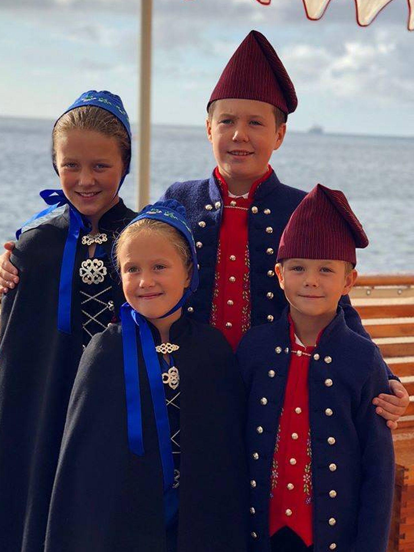 Los príncipes Christian, Isabella, Vincent y Josephine a bordo del Dannebrog. (Casa real danesa)