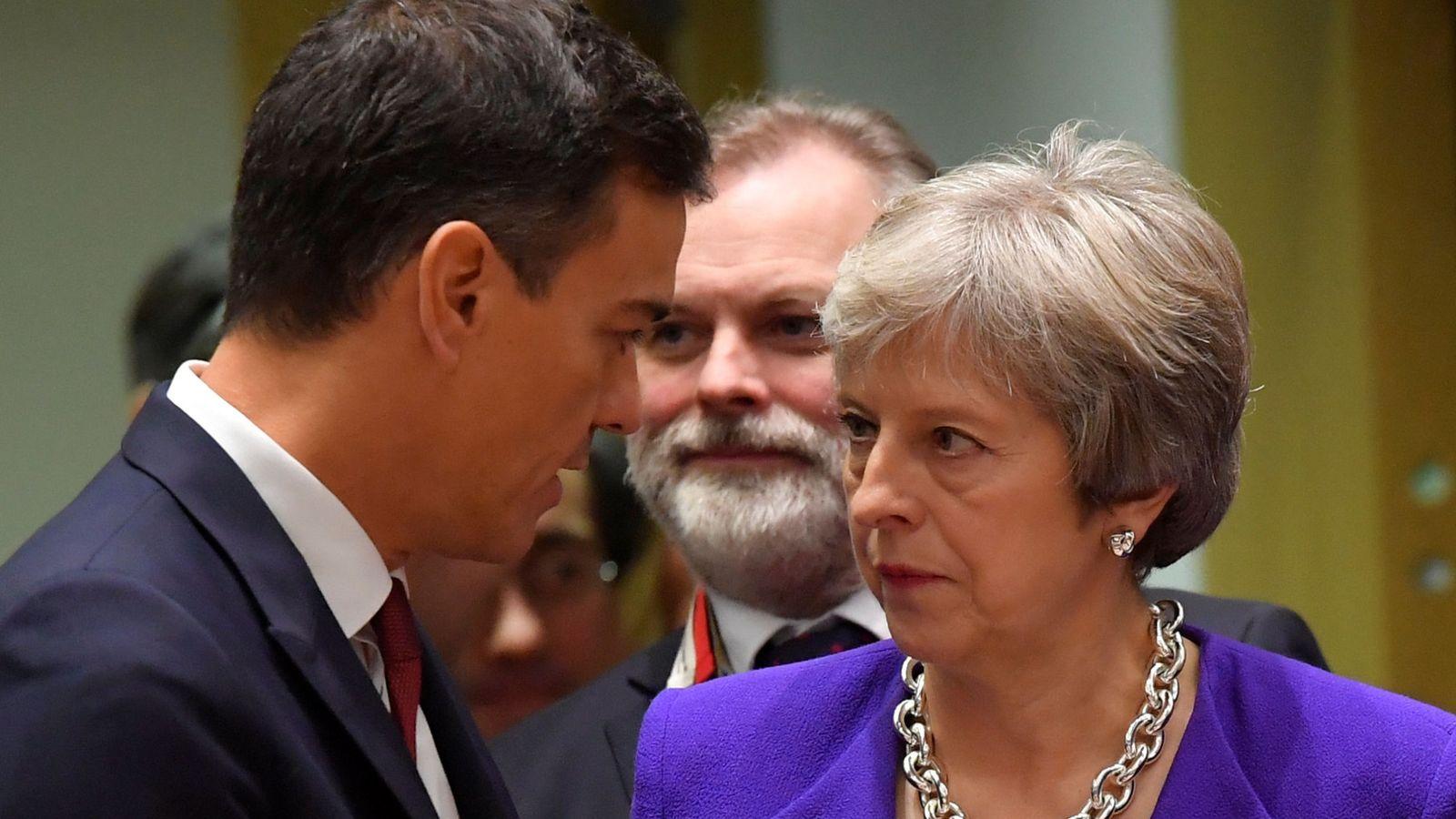 Foto: Pedro Sánchez y Teresa May, en octubre. (Reuters)