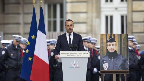El marido del policía asesinado en París emociona a Francia con su homenaje