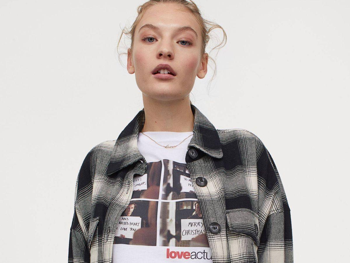 Foto: Camiseta de HyM de 10 euros de 'Love Actually'. (Cortesía)