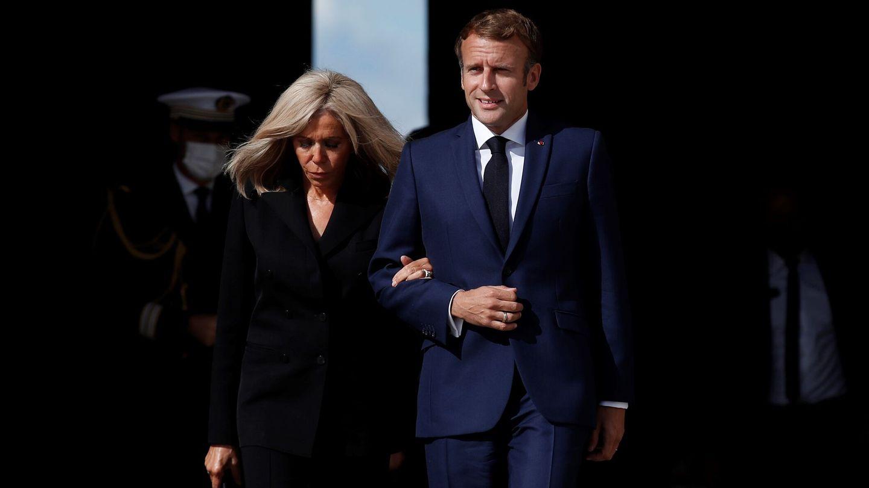 Emmanuel y Brigitte Macron. (EFE)