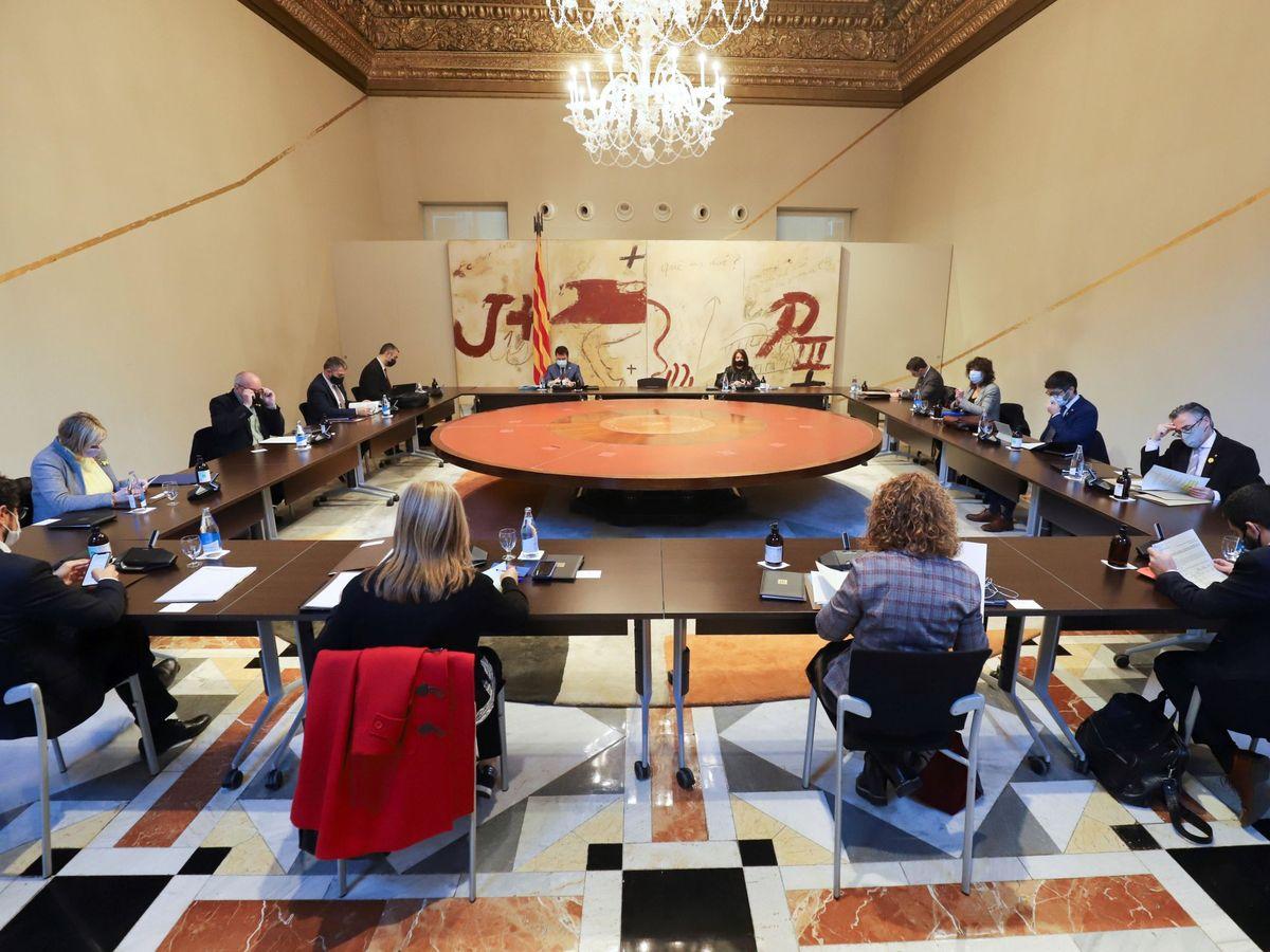 Foto: Aspecto de la reunión semanal del Gobierno de la Generalitat en funciones. (EFE)