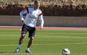 Pepe vuelve a entrenar con el grupo y podría jugar ante el Deportivo