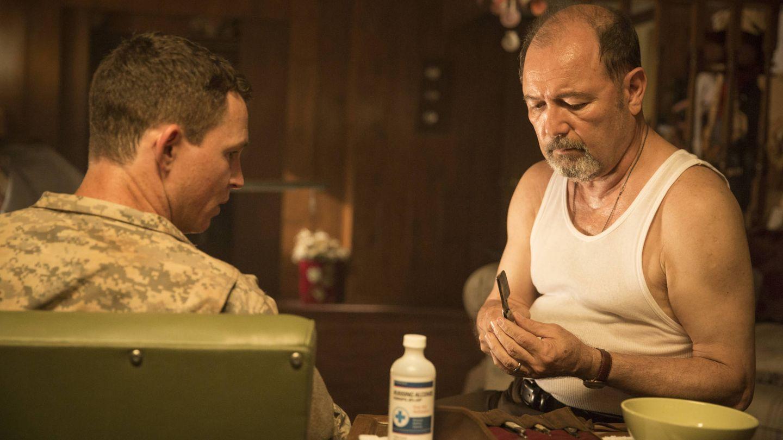 Rubén Blades junto a Shawn Hatosy en 'Fear The Walking Dead'. (AMC España)
