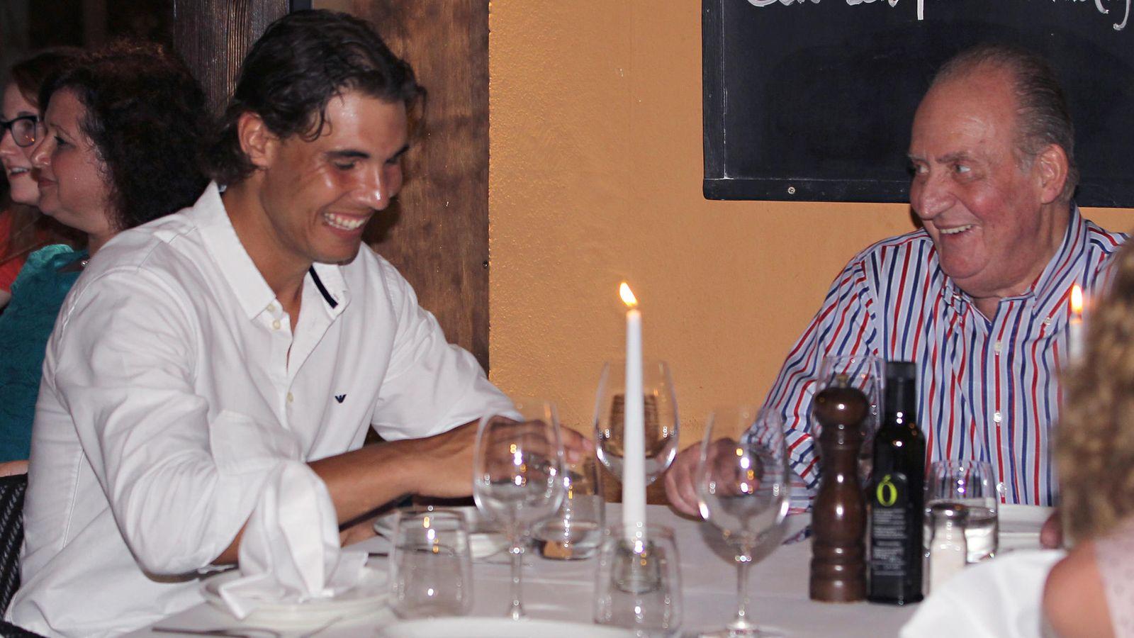 Don Juan Carlos y Rafa Nadal cenan juntos en el