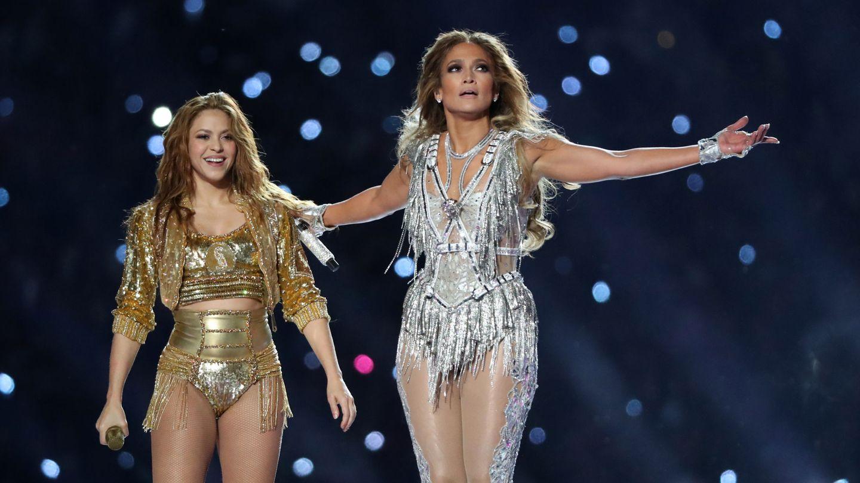Shakira y Jennifer Lopez. (Reuters)