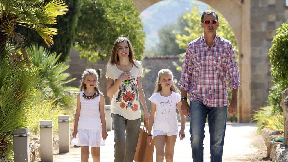 Los Reyes y sus hijas de excursión por la Sierra de Tramontana