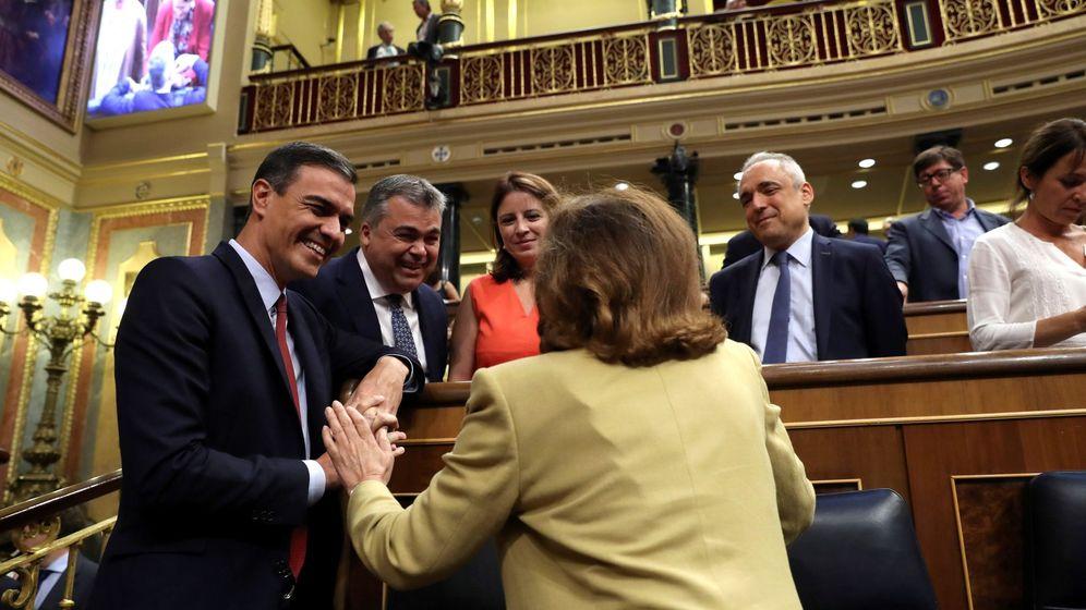 Foto: El candidato socialista a la Presidencia del Gobierno, Pedro Sánchez (i), durante la primera jornada del debate de investidura. (EFE)