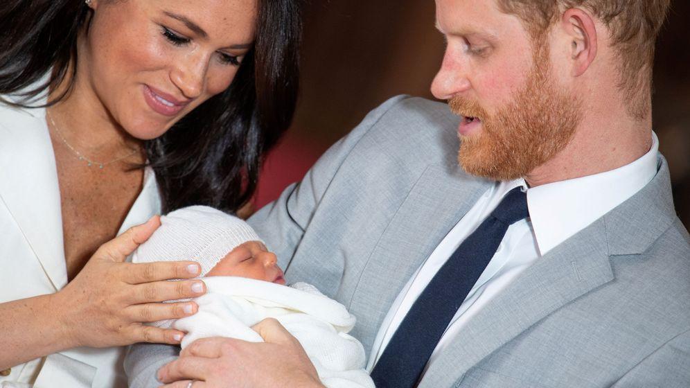 Foto: Los duques de Sussex, en la presentación oficial de su hijo. (Reuters)