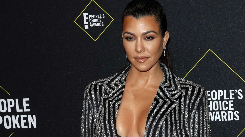 Kourtney Kardashian confirma (al fin) su relación con el músico Travis Barker