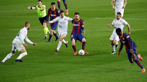 Leo Messi pone la sexta ante el Huesca y el Barça ya le pisa los talones al Atleti (4-1)