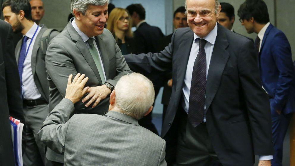 """Guindos a sus colegas de la Eurozona: """"Hay lecciones que aprender del Popu"""""""