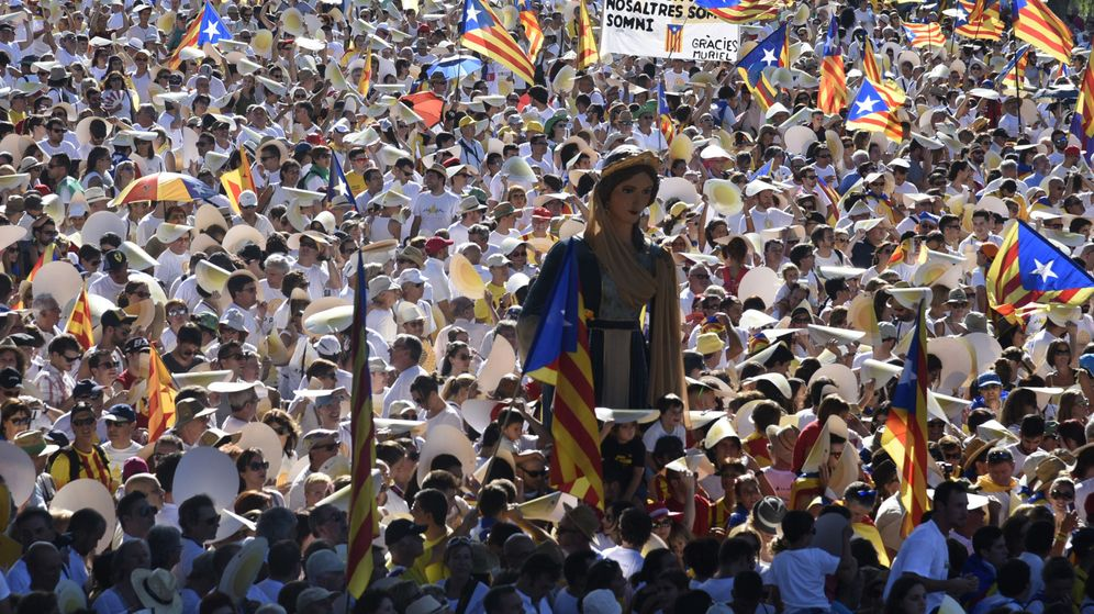 Foto: Manifestación organizada por las entidades independentistas Asamblea Nacional Catalana (ANC) y Òmnium Cultura en Lleida. (EFE)
