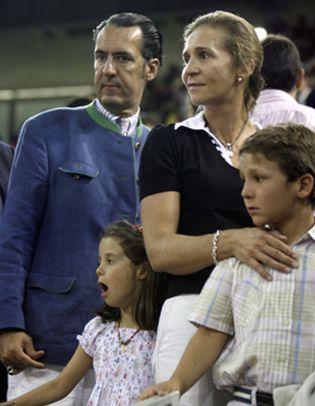 Foto: La Infanta Elena abandonó el domicilio conyugal