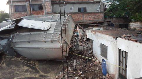 Un tren descarrila en México y mata a un hombre que dormía en su casa