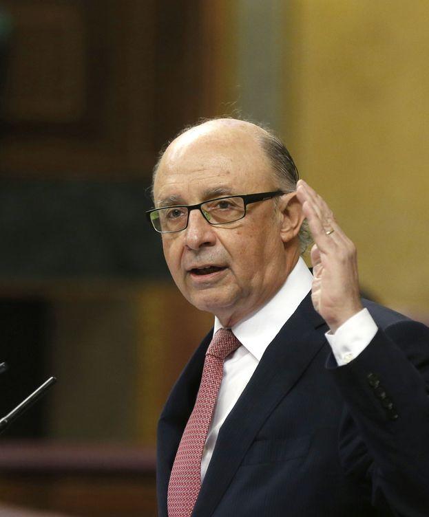 Foto: Cristóbal Montoro, en el debate de los Presupuestos. (EFE)