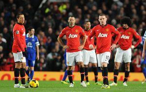 El Everton asalta Old Trafford y el 'Kun' y Mourinho sufren para ganar