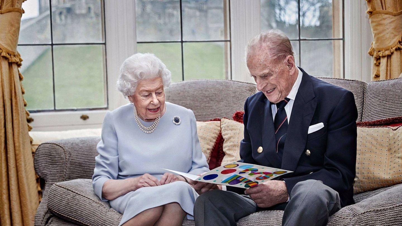 Isabel II y el duque de Edimburgo. (Palacio de Bukingham)