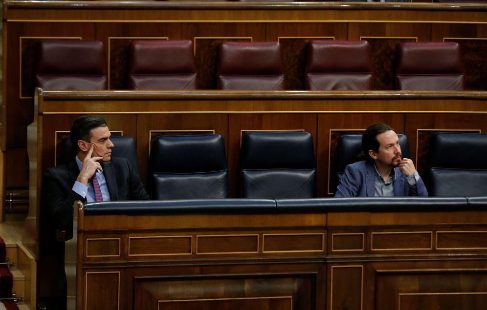 Foto: Pedro Sánchez y Pablo Iglesias, el pasado 29 de abril en la sesión de control al Gobierno en el Congreso. (EFE)