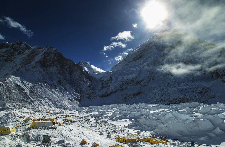 Foto: Imagen del campo base del Everest tras el terremoto. (Reuters)