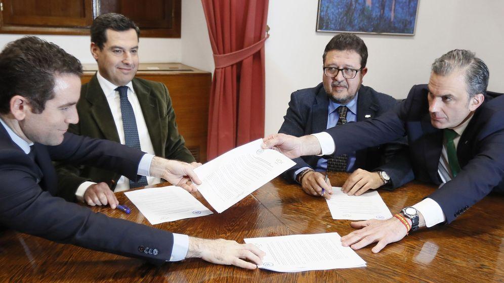 Foto: PP y Vox cierran un acuerdo para la investidura de Juanma Moreno en Andalucía