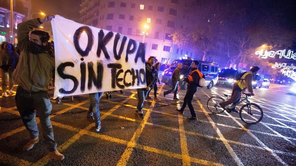 Foto: Manifestantes okupas en Barcelona. (EFE)