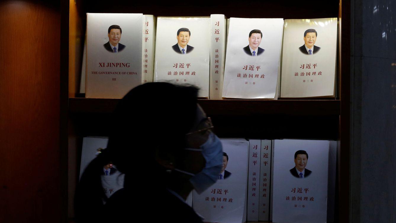 Foto: Libros con el rostro del presidente chino, Xi Jinping. (Reuters)