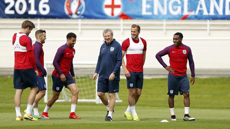 Hodgson-Slutsky: el entrenador mejor pagado y el único que cobra sólo si gana