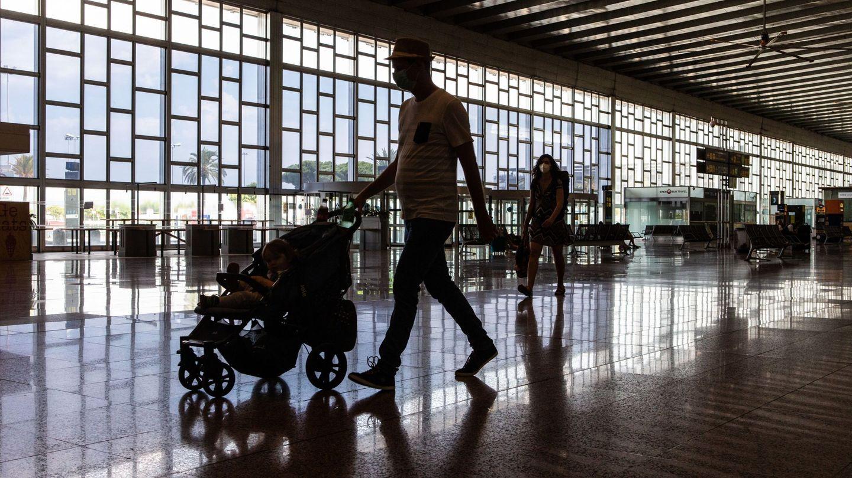 Aeropuerto de El Prat. (EFE)