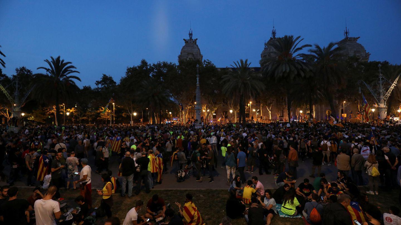 Miles de personas pasaron el día frente al TSJC. (Reuters)