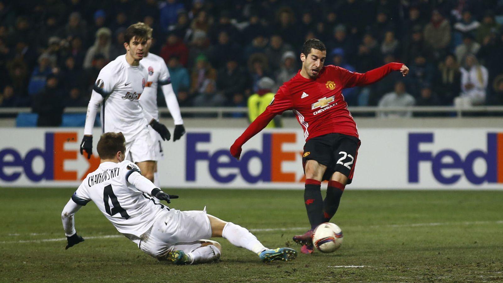 Foto: Mkhitaryan marca un gol con el Manchester United en la Europa League. (REUTERS)