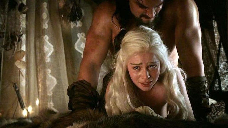 Emilia Clarke (Daenerys), cansada del sexo en 'Juego de Tronos': Son escenas gratuitas