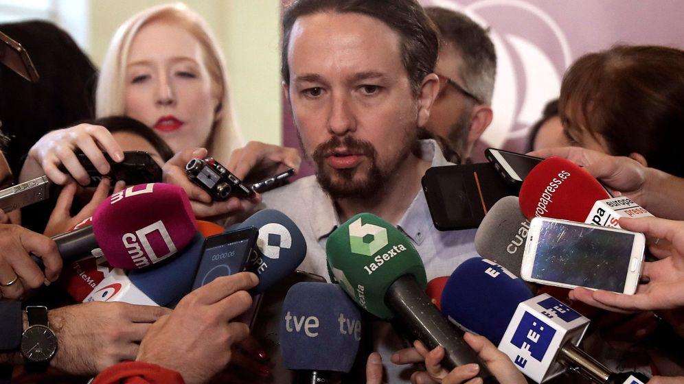 Foto: El líder de Podemos, Pablo Iglesias, en declaraciones a los medios. (EFE)
