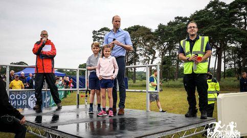 El príncipe Guillermo celebra el Día del Padre llevándose a George y Charlotte a una carrera