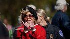 La actriz Jane Fonda agradece su BAFTA honorífico mientras es detenida