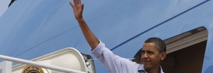 Obama se va de vacaciones rodeado de su familia... y de problemas