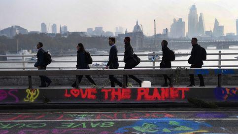 Protestas contra el cambio climático y puesta de sol en Somosko: el día en fotos