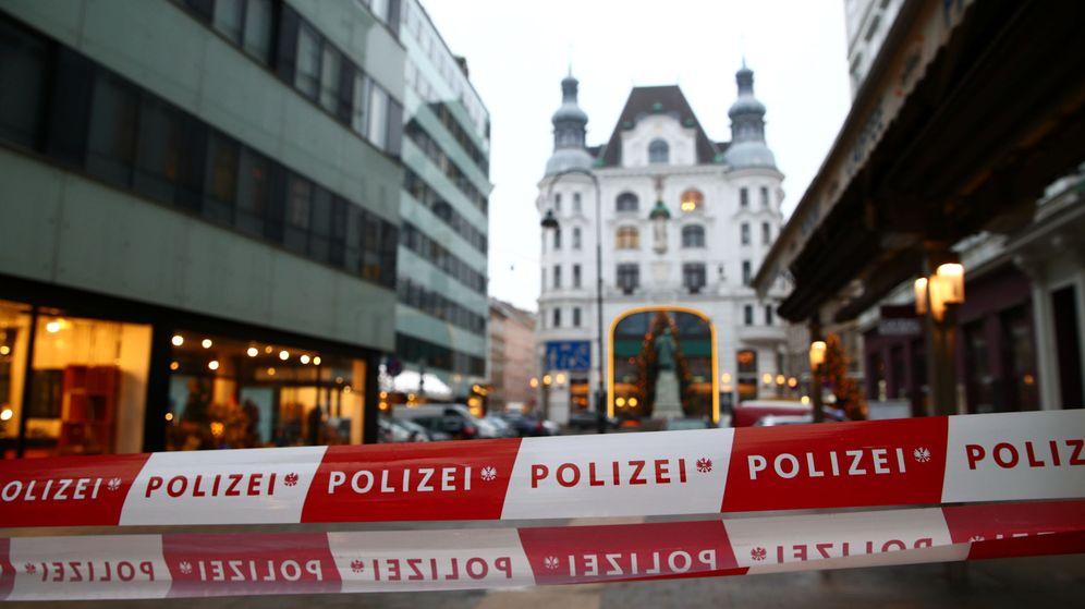Foto: Cordón policial de la policía austriaca en una imagen de archivo. (Reuters)