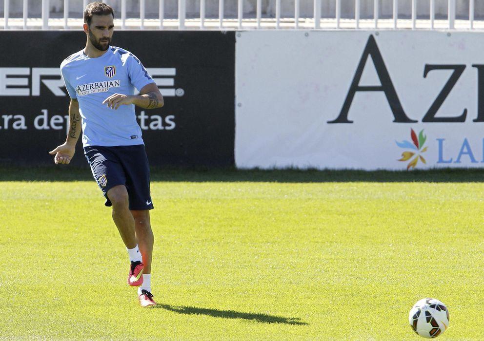 Foto: Jesús Gámez entrena con el Atlético en una sesión con muchas ausencias.