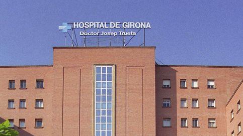 Investigan un posible caso de maltrato a un bebé de un mes en Girona