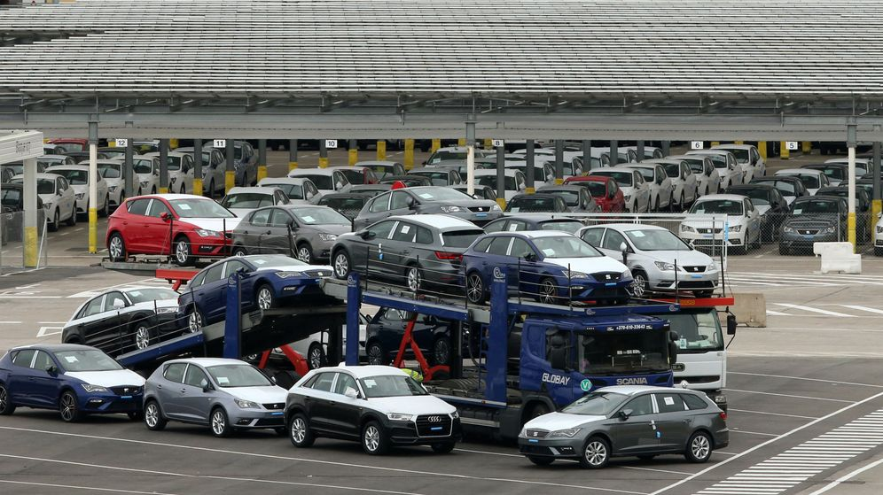 Foto: Grupo de vehículos a punto de salir de fábrica. (Reuters)