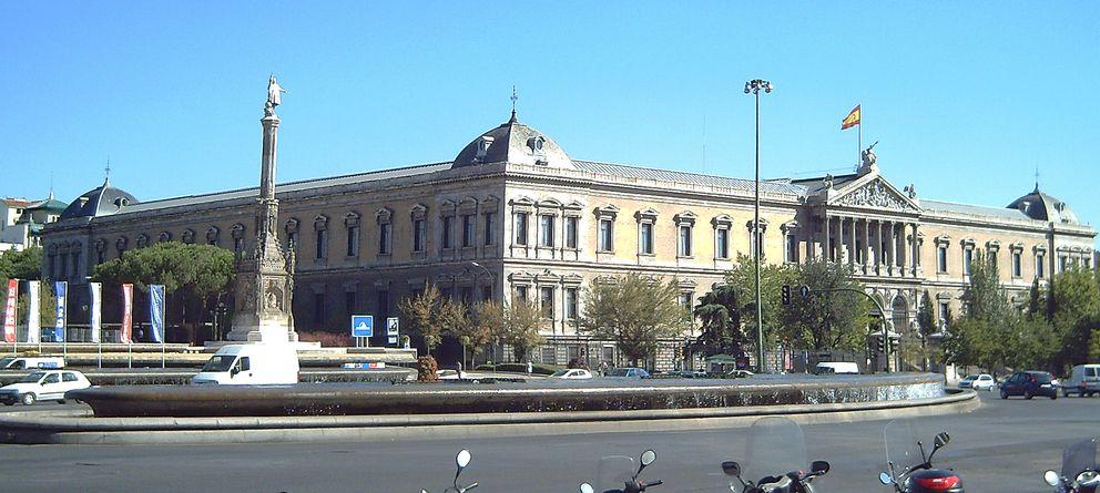 Foto: La BNE, en la Plaza de Colón de Madrid. (http://es.wikipedia.org/)
