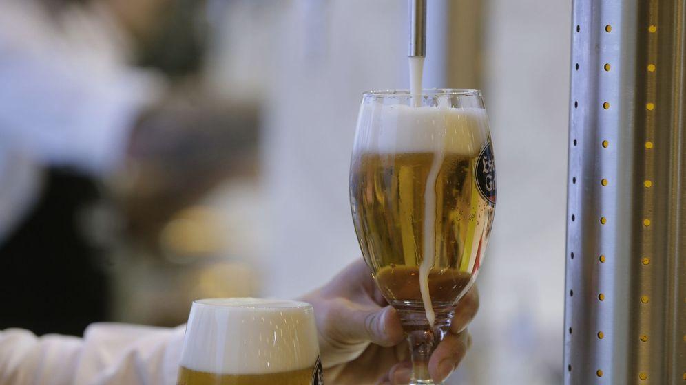 Foto: El consumo de cerveza en España no deja de crecer. (EFE)