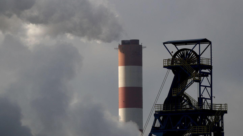 La gran cantidad de centrales de carbón en China es una de las principales razones de sus elevados niveles de contaminación. (Reuters)
